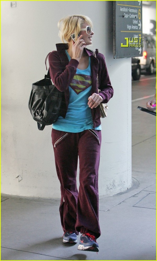 Candids: Paris Hilton to Star as Supergirl (17-12) Paris-30