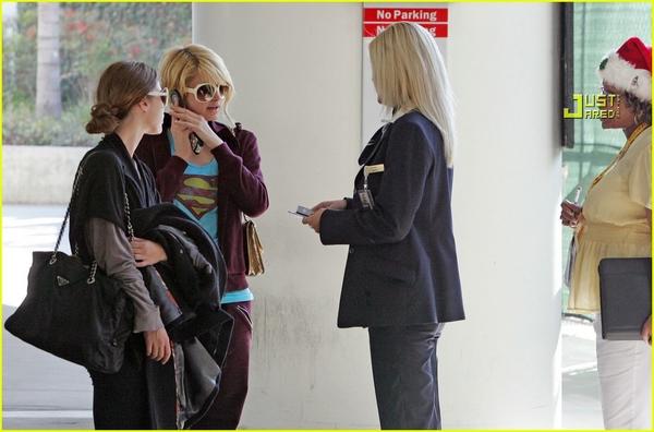 Candids: Paris Hilton to Star as Supergirl (17-12) Paris-31