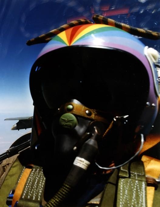 Tenues de vol / Equipements de nos pilotes - Page 2 Clipbo10