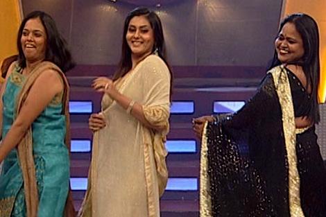 Namitha appears in Salwar Kameez Namith10