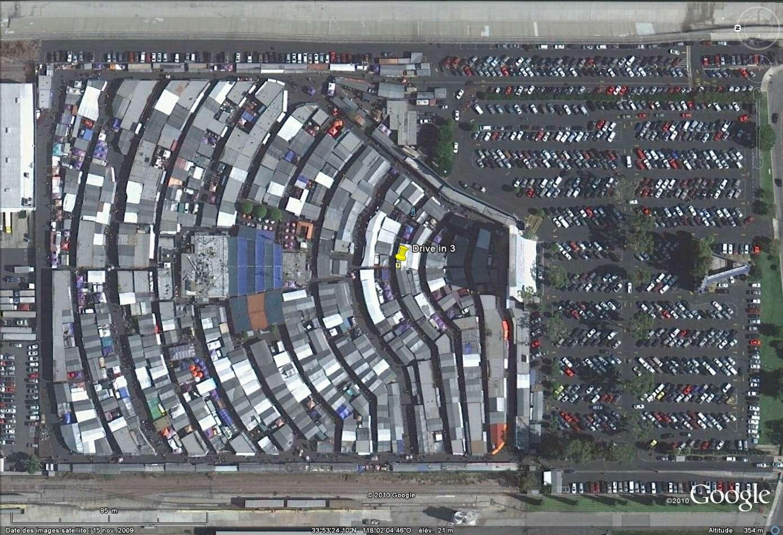 """""""Drive-in theaters"""" transformés en vide-grenier ( swap meet area, open air flea market ), Californie, USA Drive_11"""