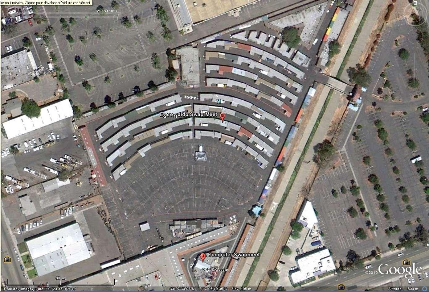 """""""Drive-in theaters"""" transformés en vide-grenier ( swap meet area, open air flea market ), Californie, USA Drive_15"""