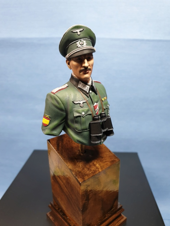 Vitrine phil38 - Deuxième buste (officier Espagnol) 20200511