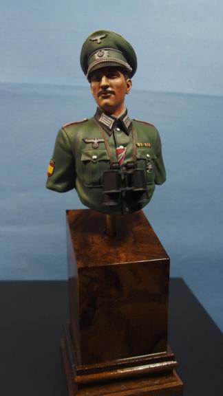 Vitrine phil38 - Deuxième buste (officier Espagnol) P5040110