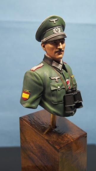Vitrine phil38 - Deuxième buste (officier Espagnol) P5040111