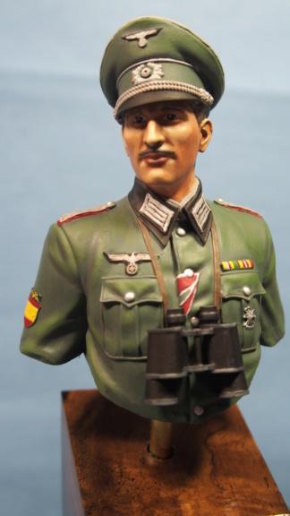 Vitrine phil38 - Deuxième buste (officier Espagnol) P5040112