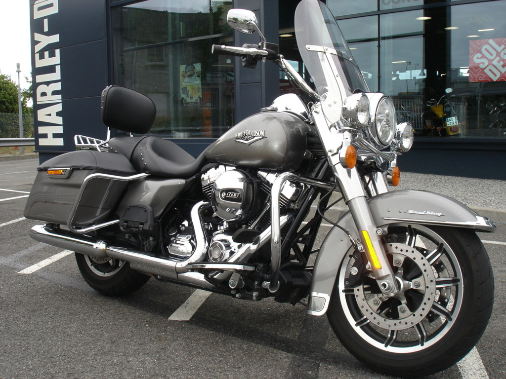 Road King uniquement, combien sur Passion-Harley  - Page 12 Dsc03910