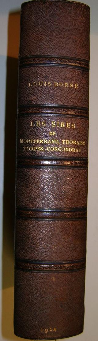 Beau livre sur l'histoire des 13°, 14° et 15° siècles en Franche Comté. Dsc05213