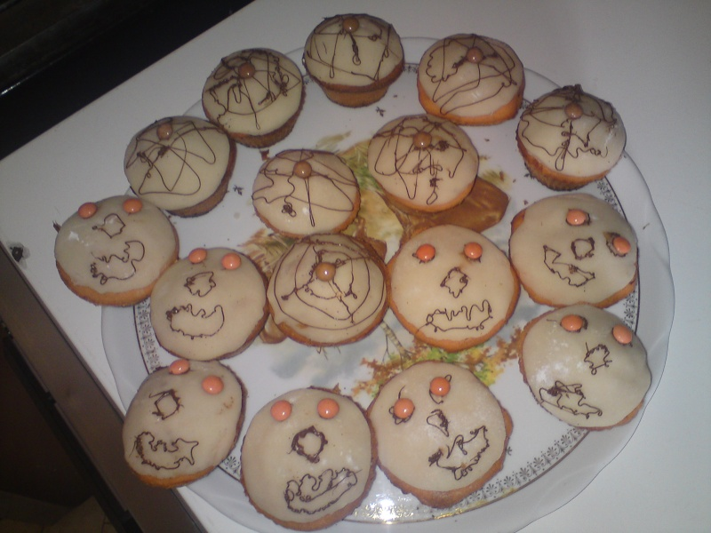 muffins et cupcakes d'halloween - Page 3 00913