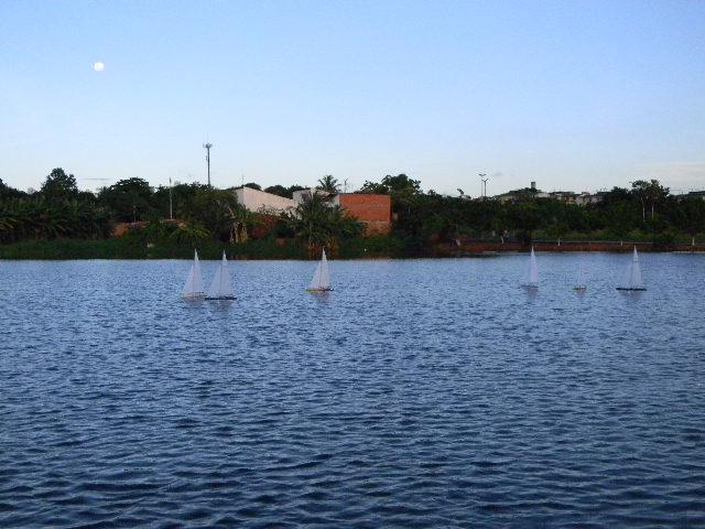 Grupo de Nautimodelismo de Fortaleza no lago do Condomínio 16/04/2011 Imagem15