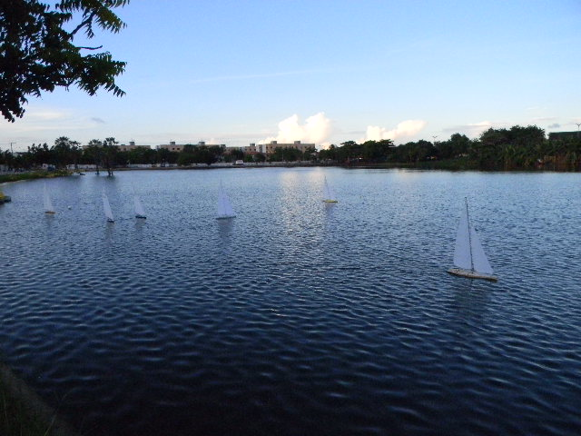 Grupo de Nautimodelismo de Fortaleza no lago do Condomínio 16/04/2011 Imagem18