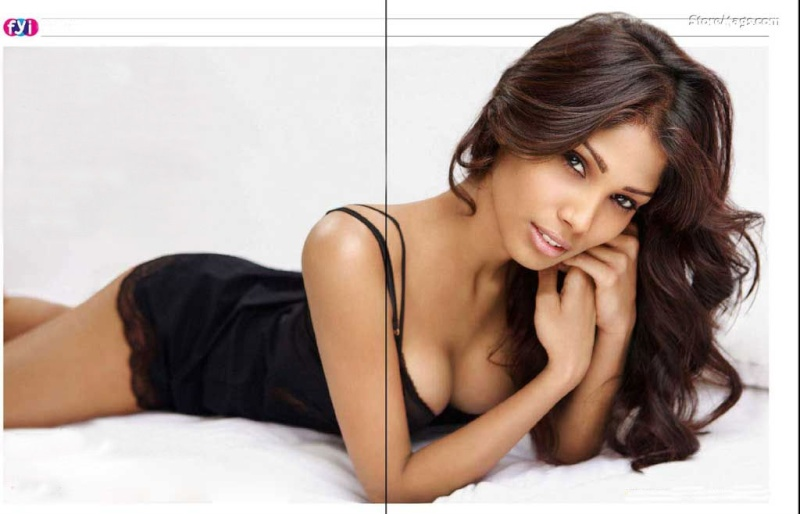 Official thread of MISS EARTH 2010 - Nicole Faria (India) - Page 2 Nicole13