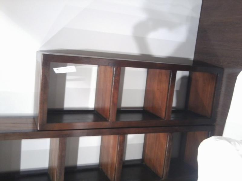 Re-vernir un meuble déjà vernis ... mission abandonnée merci à tous. Photo029