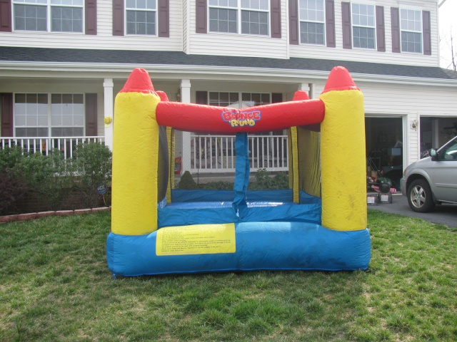 Bounce 'Round Inflatable Bouncing Room - $125 Bounce10