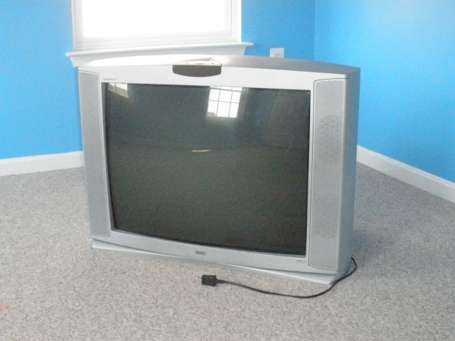"RCA 32V550T 32"" TV with Xbox-Ready VPORT - $100 Tv_110"