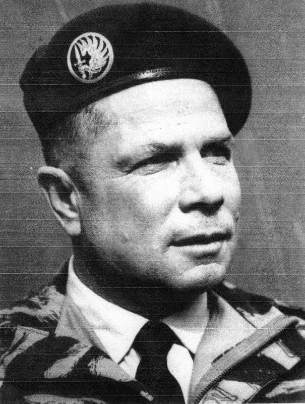 Biographie Colonel Georges Masselot 18e RCP - Putsch Alger avril 1961 Col_ma11