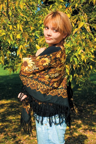 Варианты повязывания и ношения павловопосадских платков. Как носить платки. Как завязать платок. Dsc_5910