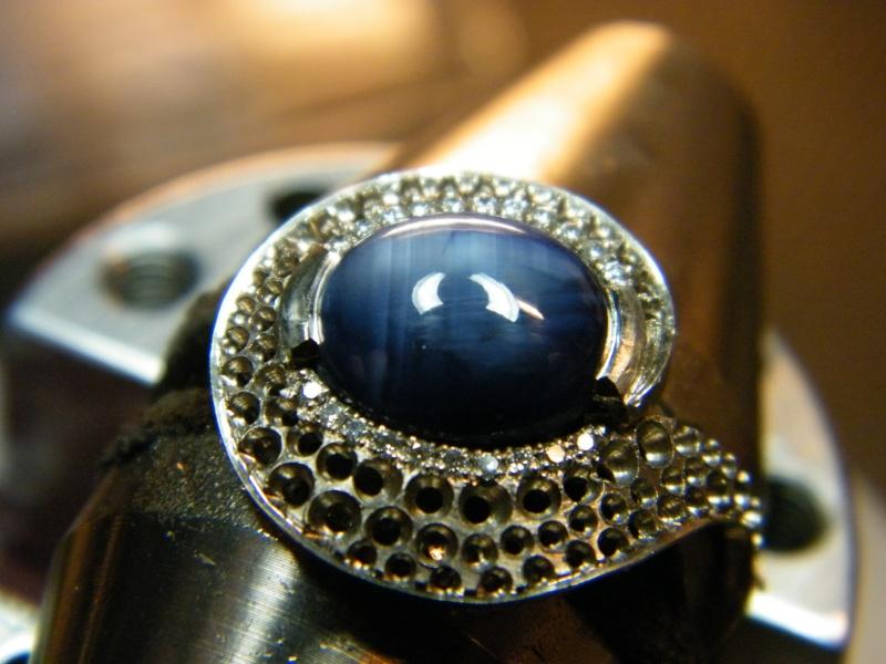 Bague en Or blanc, Saphir étoilé et Diamants Dscf2211