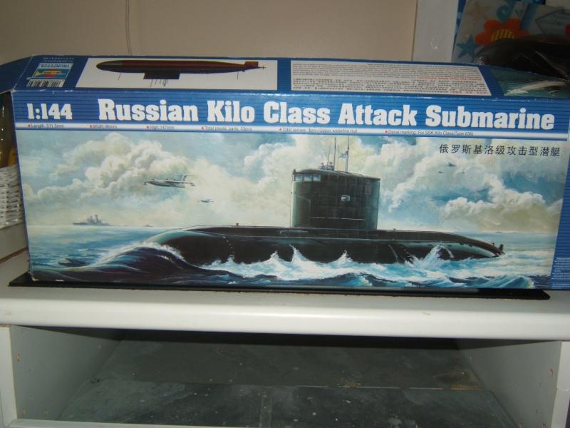 Sous-marin Russe KILO CLASS ATTACK par Redoutable au 1/144 - Trumpeter Dscf3010
