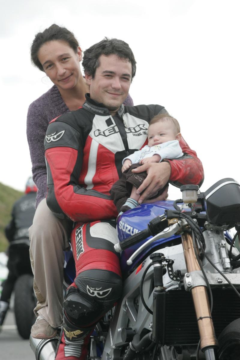 La moto sur circuit - Page 3 Hq0r8310