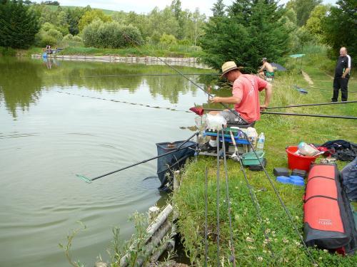 Concours individuel sur le plan d'eau de chuzelles le 13/06/2011 F4c64c10