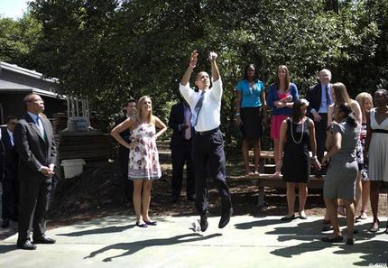 Obama, Sarkozy: la guerre des ego. (Que le ton a changé depuis!) Obama_10