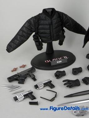 """aide pour les vetements  """" the expandables !!!"""" Blade-10"""