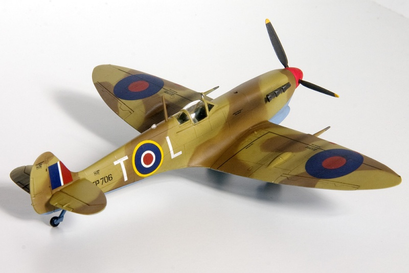 Spitfires in 72nd scale. 8628_i10