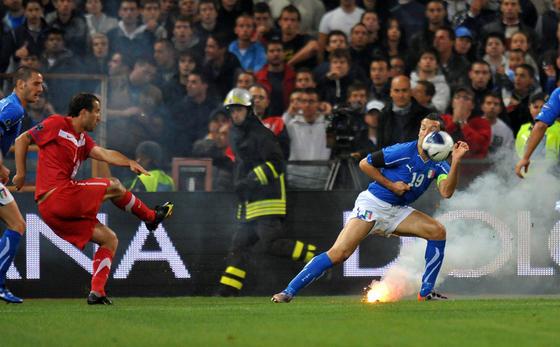 Eliminatoires Euro 2012 - Page 3 L-uefa10