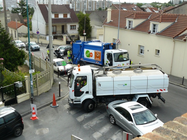 Rue Emile Zola on repose des coussins berlinois - Page 3 Statio11
