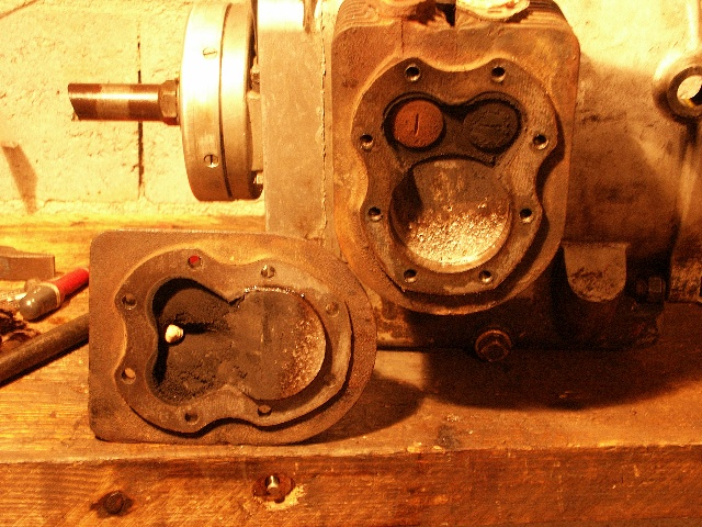 simar - Un KT10B sorti de grange - Page 13 Moteur10