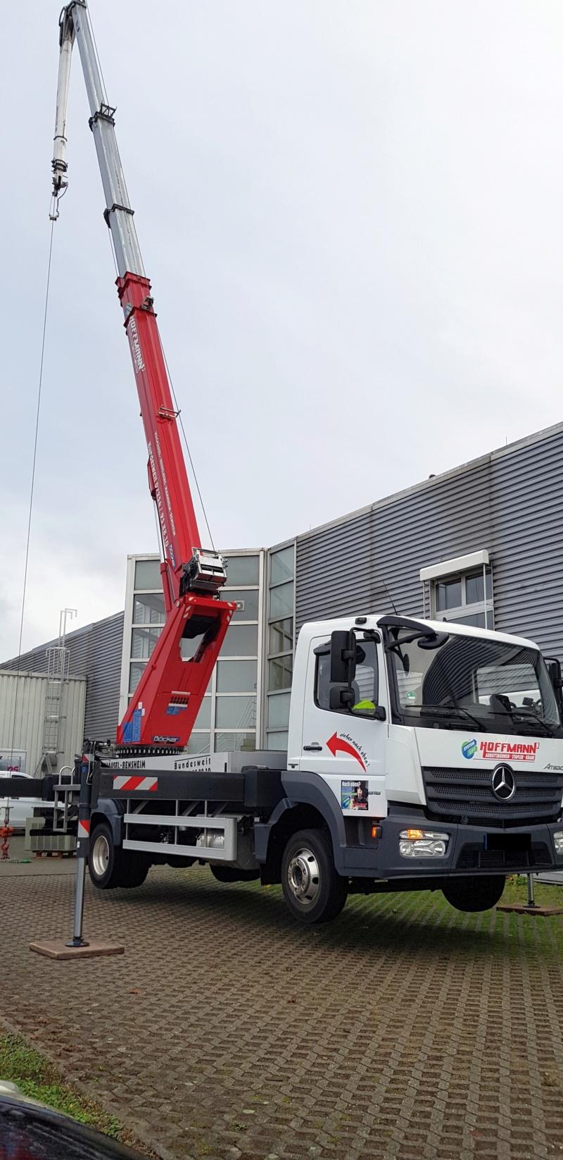 LKW-Kran bei uns vor der Firma 20181261
