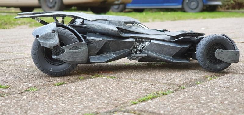 Batmobil aus Suicide Squad / Möbius, 1:25 - Seite 2 20200340