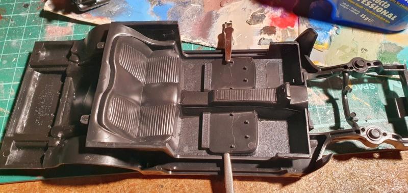 Elvira´s Macabre Mobil-1958er Ford T-Bird Convertible Coupé Monogramm 1:24 20202513