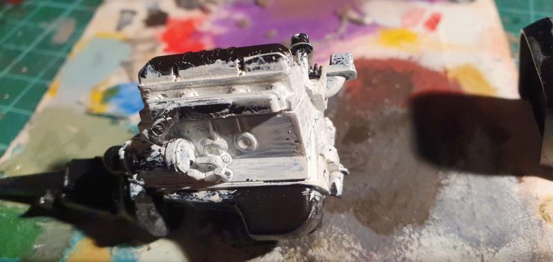 Elvira´s Macabre Mobil-1958er Ford T-Bird Convertible Coupé Monogramm 1:24 20202554