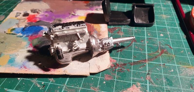 Elvira´s Macabre Mobil-1958er Ford T-Bird Convertible Coupé Monogramm 1:24 20202559