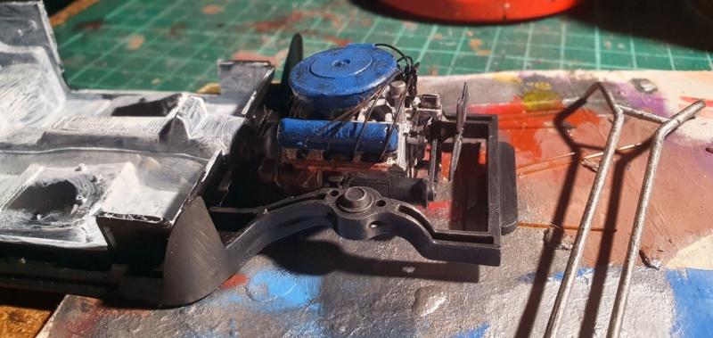 Elvira´s Macabre Mobil-1958er Ford T-Bird Convertible Coupé Monogramm 1:24 20202642
