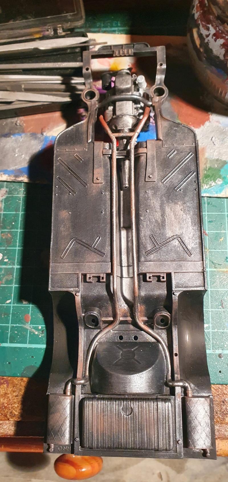 Elvira´s Macabre Mobil-1958er Ford T-Bird Convertible Coupé Monogramm 1:24 20202646