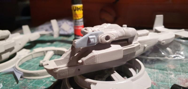 """Zwei AT-99 """"Skorpion"""" Gunships aus Avatar, 1:72 von Fantastic Plastic 20210550"""