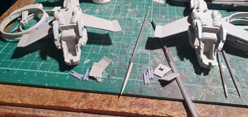 """Zwei AT-99 """"Skorpion"""" Gunships aus Avatar, 1:72 von Fantastic Plastic 20210561"""