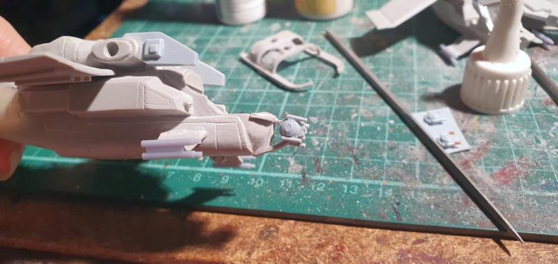 """Zwei AT-99 """"Skorpion"""" Gunships aus Avatar, 1:72 von Fantastic Plastic 20210574"""