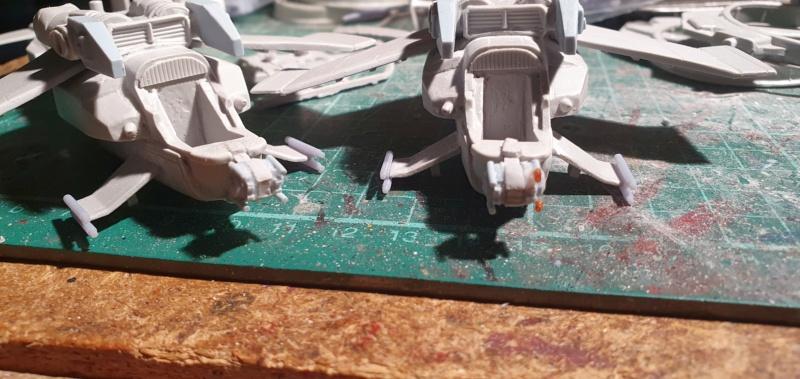 """Zwei AT-99 """"Skorpion"""" Gunships aus Avatar, 1:72 von Fantastic Plastic 20210578"""