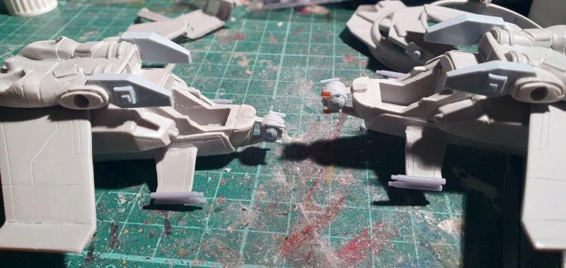 """Zwei AT-99 """"Skorpion"""" Gunships aus Avatar, 1:72 von Fantastic Plastic 20210579"""