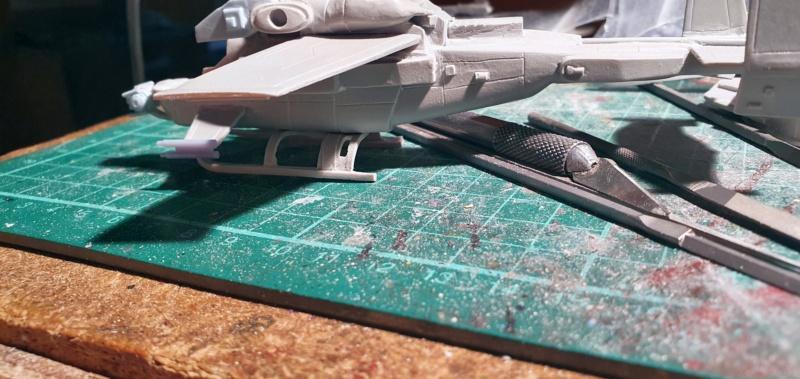 """Zwei AT-99 """"Skorpion"""" Gunships aus Avatar, 1:72 von Fantastic Plastic 20210584"""