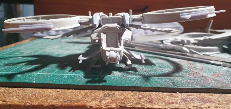 """Zwei AT-99 """"Skorpion"""" Gunships aus Avatar, 1:72 von Fantastic Plastic 20210585"""