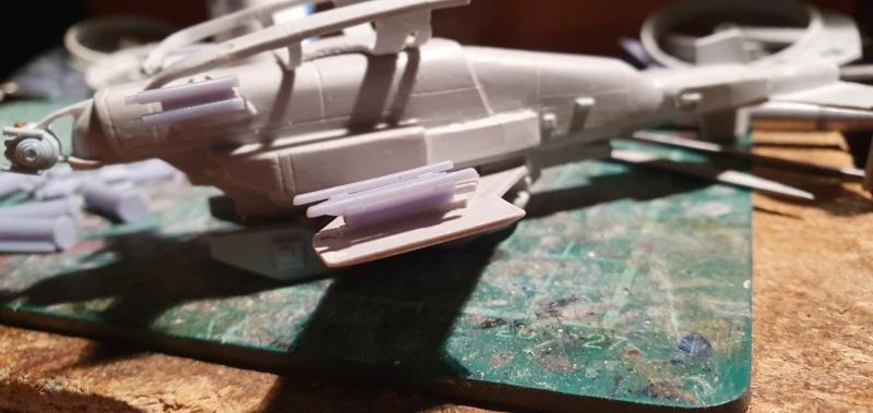 """Zwei AT-99 """"Skorpion"""" Gunships aus Avatar, 1:72 von Fantastic Plastic 20210594"""