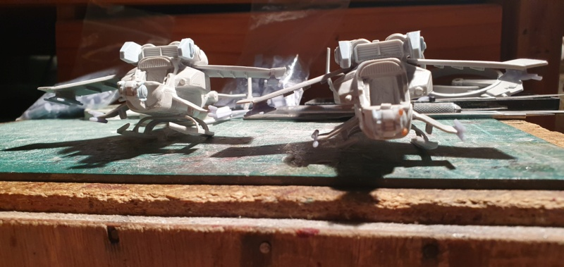 """Zwei AT-99 """"Skorpion"""" Gunships aus Avatar, 1:72 von Fantastic Plastic 20210599"""