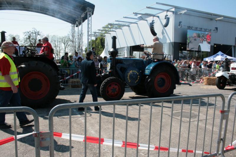 German Tractor D8506 in 1:35 von MiniArt Img_3110