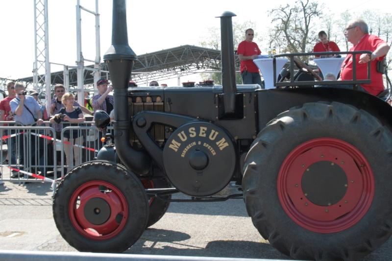 German Tractor D8506 in 1:35 von MiniArt Img_3112