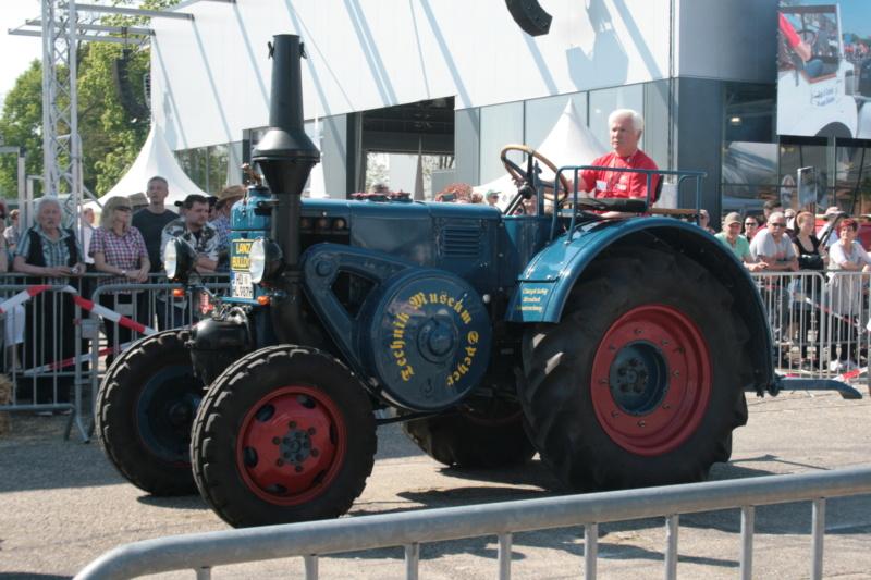 German Tractor D8506 in 1:35 von MiniArt Img_3113